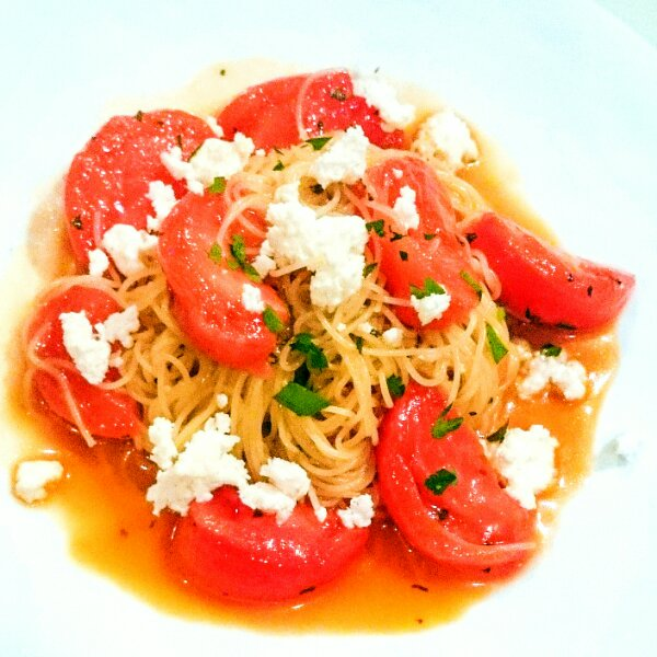 カラフルミニトマトとエビの冷たいカペッリーニ 柚子こしょう風味