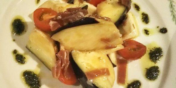 米茄子とトマト、モッツァレラチーズのサラダ